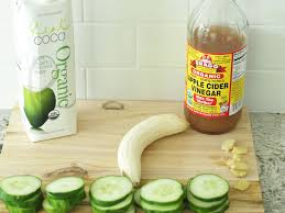bloated this anti bloat smoothie helps fight bloating and keep your stomach flat