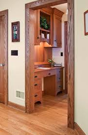 (Crown Point Cabinetry)