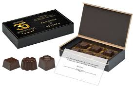 best return gifts for marriage anniversary 6 chocolate box orted cans 10 bo