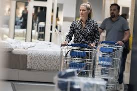 Michelle hunziker shopping at ikea in milan 07 11 2017
