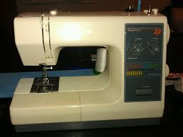 Adventures in Quilting with Sara G.: Sewing Machine Review 1 ... & I posted an abreviated version of this review to Pattern Review. This  machine is odd enough that a stock picture of the machine is not available  on PR. Adamdwight.com