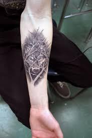 наколки волка на запястье татуировка волк значение у девушек