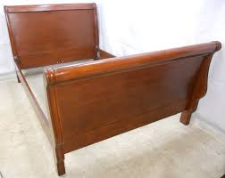 Image of: Antique Oak Sleigh Bed