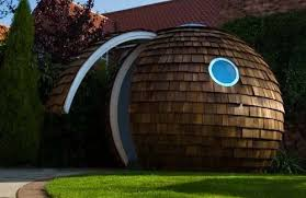 theres something about the round shape of the archipod which weve written about before that makes me want to wrap my arms around it when i see it backyard office pod 4