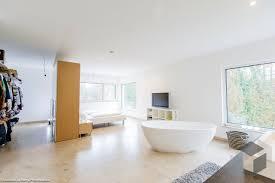 Schlafzimmer Mit Freistehender Badewanne Alle Infos Zum Haus Von