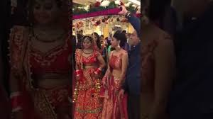 bride entry indian wedding dance performance on kala chasma Wedding Entrance Indian Songs bride entry indian wedding dance performance on kala chasma & london thumakda song youtube best indian wedding entrance songs