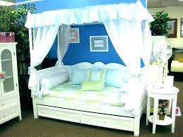 Day Bed With Canopy Outdoor Daybed With Canopy Outdoor Daybed With ...