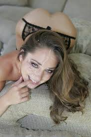 Remy Lacroix retires and blasts fellow pornstars Boobsrealm