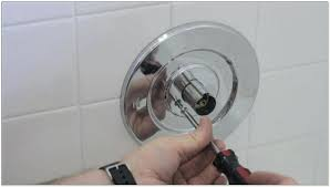 leaking bathtub faucet fix leaky bathtub faucet single handle delta repair shower faucet pfister