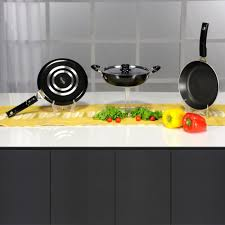 Non Stick Kitchen Appliances Kitchen Galore 4 Pcs Non Stick Cookware Set By Everwel