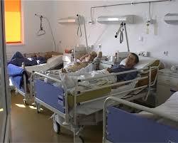 Bolnavii din spital, nemulţumiţi că nu pot să voteze FOTO - Stiri Botosani