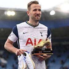 Harry Kane: Tottenham star 'set to join Man City' in record-breaking deal