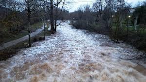 Resultado de imagen de río desbordado