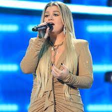 "Kelly Clarkson Brings a ""Higher Love ..."