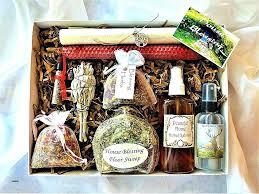 unique housewarming gifts housewarming gift ideas for guys gift basket ideas for guys beautiful housewarming gift