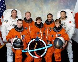 From left, STS-114 astronauts Steve Robinson, Jim Kelly, Andy Thomas, Wendy  Lawrence, Charlie Camarda, Eileen Collins an… | Space shuttle, Nasa, First  space shuttle
