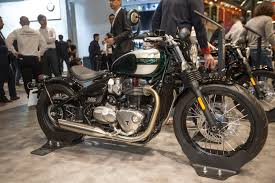 2017 triumph bobber from the 2016 eicma show triumph motorcycle