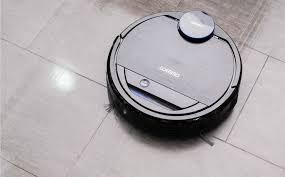 Trên tay robot hút bụi Deebot OZMO 930: máy chạy êm, lau nhà thông minh,  điều khiển bằng Alexa