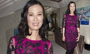 Single Wendi Deng breaks cover to host glossy New York diamond night just a  week after her 'sexy' Tony Blair note was revealed | Daily Mail Online