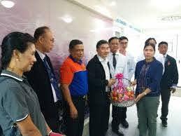 กรมป้องกันและบรรเทาสาธารณภัย กระทรวงมหาดไทย | พ.ต.ท.ม.ล.กิติบดี ประวิตร  ผู้ว่าราชการจังหวัดกระบี่ พร้อมด้วย นายไพศาล ขุนศรี  หัวหน้าสำนักงานป้องกันและบรรเทาสาธารณภัยจังหวัดกระบี่  ผู้แทนสำนักงานศึกษาธิการจังหวัดกระบี่ และผู้แทนสำนักงานสาธารณสุขจังห