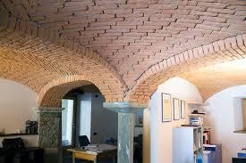 Soffitto A Volta : In view red brics studio office di pietra
