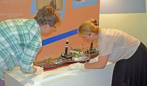 Ausstellung Zu Goldenen Zwanzigern Modellschiff Im Hanauer Museum