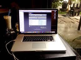 Hội Macbook Pro 17 inch