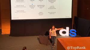 Ashley Zeckman on Building Consumer Trust with Influencers #DSMPLS