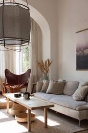 the warm and cozy home of lucie of the aesthetic eye my paradissi living room