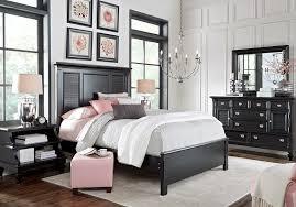 Image Italian Rooms To Go Belmar Black Pc Queen Bedroom Queen Bedroom Sets Black