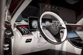 The vehicle interior is even more digital and intelligent, as both the hardware and software have made great strides: 2021 Mercedes Maybach S Class