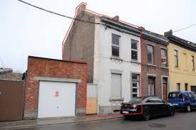 maison 3 façades à rénover avec page latéral
