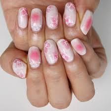濃淡ピンクが可愛い 春満開フラワーネイルギのセルフネイル手本帖