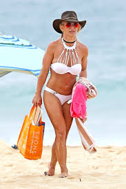 Contact britney spears on messenger. Britney Spears Hawaii Bikini Video Throwback To Maui Getaway Hollywood Life