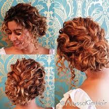 Updos For Short Curly Hair Nástěnka Vlasy Nápady Na účesy A