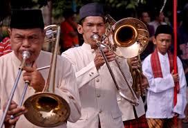 Angklung adalah alat musik yang berkembang dalam masyarakat sunda di jawa barat. Keunikan Alat Musik Tanjidor Mancing Info