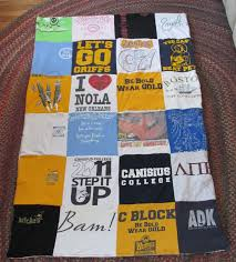 free tutorial with full instructions for an easy sew t shirt quilt
