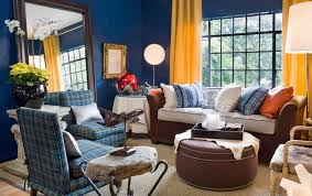 great blue walls in the living room with yellow curtains with what color curtains go with yellow walls