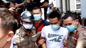 ปฏิเสธทุกข้อหา ลุงพลขึ้น ฮ.กองบินตำรวจ คุมตัวดำเนินคดีที่โรงพักกกตูม