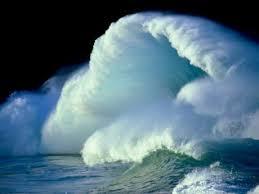 Resultado de imagem para ondas altas