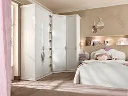 Armadio Angolare Per Ingresso : Armadio ad angolo classico in legno con porta battente