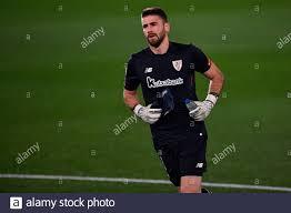 VALENCIA, SPANIEN - DEZEMBER 22: Unai Simon von Athletic Bilbao beim La  Liga Santander Spiel zwischen Villarreal CF und Athletic de Bilboa in  Estadi Stockfotografie - Alamy