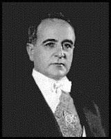 getulio vargas. em 1941, um grupo de acadêmicos patrocinou a admissão getúlio vargas na academia brasileira letras. eleição foi tranquila mas o eleito só tomou getulio