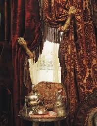 Victorian curtain....gold...but do in red or green