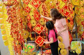 Kết quả hình ảnh cho chợ tết Việt Nam