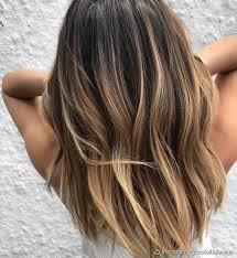 Para um visual morena iluminada natural no cabelo longo, vale apostar na técnica da raiz as donas de cabelo longo podem apostar em mechas finas e só no comprimento do cabelo para um look morena iluminada natural. Morena Iluminada Inspiracoes Para Ter Esse Cabelo De Diva