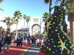 Universal Studios Through Photowalk Grinchmas Hollywood 2016