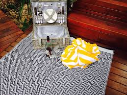 outdoor rugs made from plastic bottles