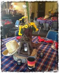 Country Style Table Design  Summer BBQ Style IdeasCountry Style Table Centerpieces
