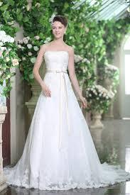 Brautkleid Denise- wunderschön bestickt | Schmetterling